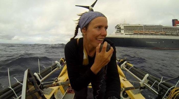 Mylène Paquette en communication avec le Queen Mary 2